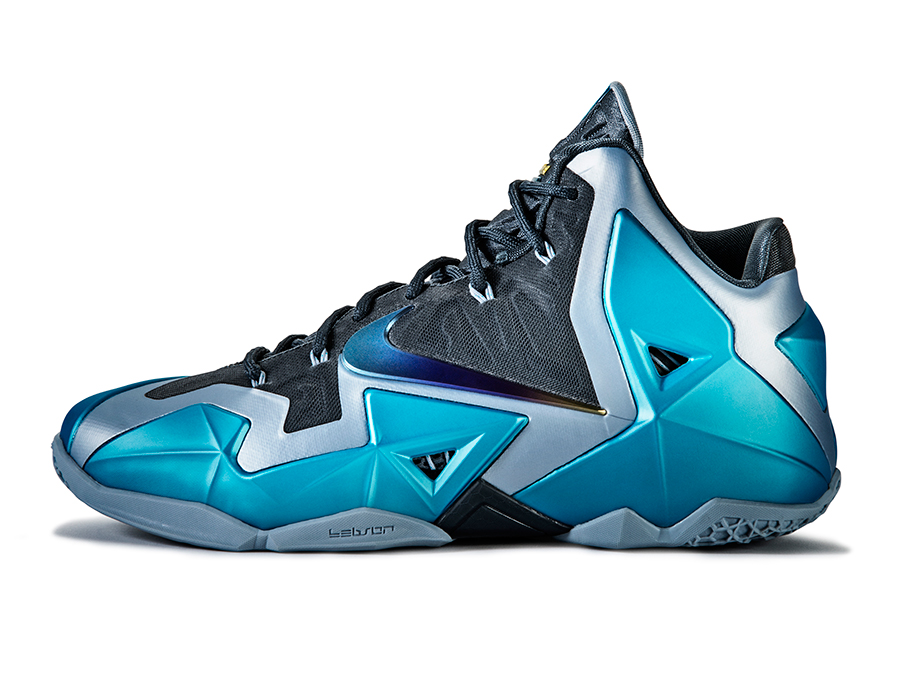 nike-lebron-11-gamma-blue-officially-unveiled-4
