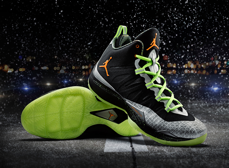 jordan-super.fly-2-christmas-officially-unveiled-1
